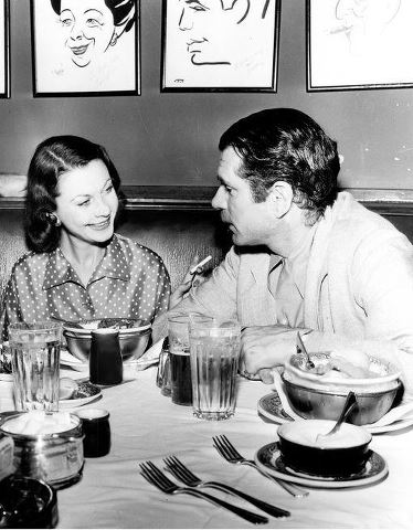 Vivien Leigh and Laurence Olivier at the Brown Derby